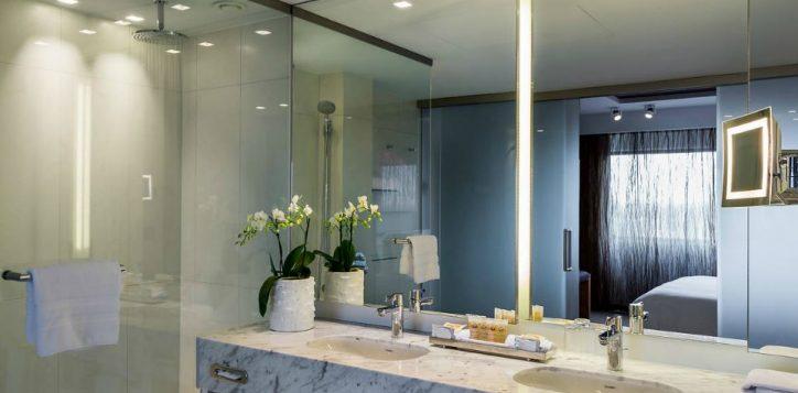 bathroom-exlusive-suite-2-2